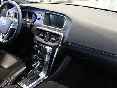 begagnad Volvo V40 D2 R-DESIGN PANORAMA DRAG