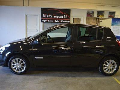 begagnad Renault Clio 1.2 (75hk) 3-Ägare / Låga Mil / Nyservad / Ny Besiktad M.M