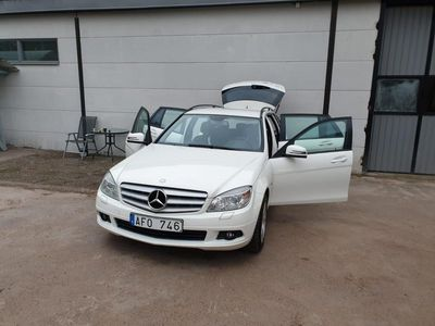 begagnad Mercedes C180 T CGI BlueEFFICIENCY