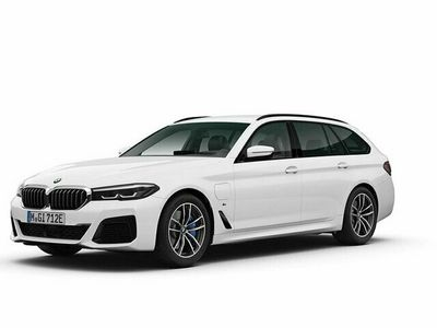begagnad BMW 530 e xDrive Touring M Sport Drag Aktiv Fartpilot HiFi Komfortöppning