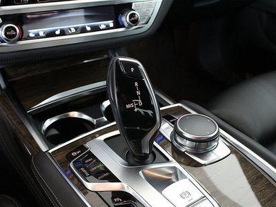 begagnad BMW 730 d xDrive Sedan Aut Dragkrok Heap-up Navi