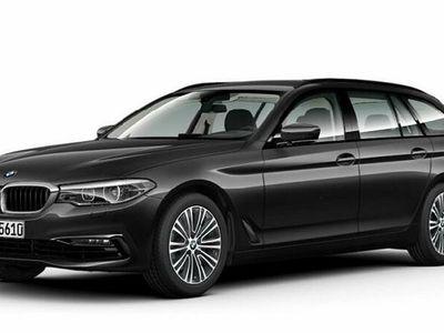 begagnad BMW 520 d xDrive Touring Sport line Connected *Inkl nya v-hjul*