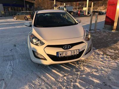 gebraucht Hyundai i30 1,6 CRDi KOMBI 110HK MAN COMFORT V-HJUL