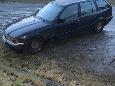 begagnad BMW 320 E36