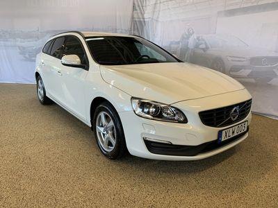 begagnad Volvo V60 T3 aut Classic Edition, Garanti 24 månader, On call, Fast dragkrok, Parkeringssensor bak