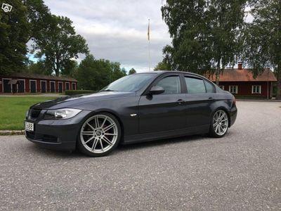 begagnad BMW 320 i -05