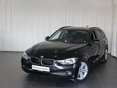 begagnad BMW 320 dA xDrive Touring, Connected, Dragkro