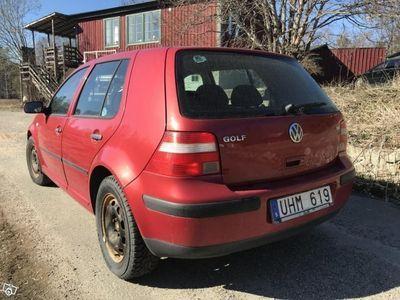 begagnad VW Golf 1.6 -03