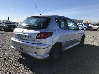 begagnad Peugeot 206 1,6 3D 11000MIL / NYKAMREM / 0% RÄNTA