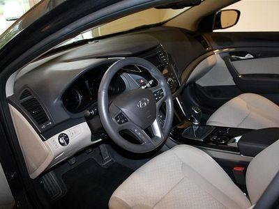 begagnad Hyundai i40 4D 1.7 CRDi M6 Bus