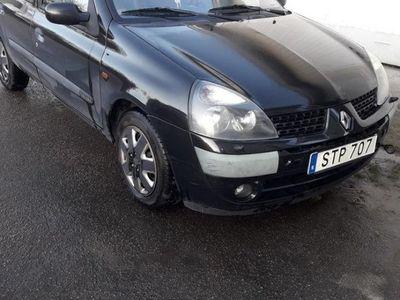 begagnad Renault Clio R.S. 5-dörra Halvkombi