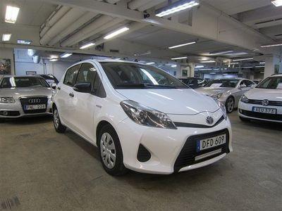 gebraucht Toyota Yaris 1.5 HYBRID - AUTOMAT. NYBESIKTIGAD . Ny besiktigad