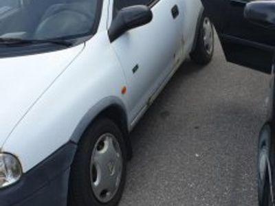 begagnad Opel Corsa bes skatt året ut -99