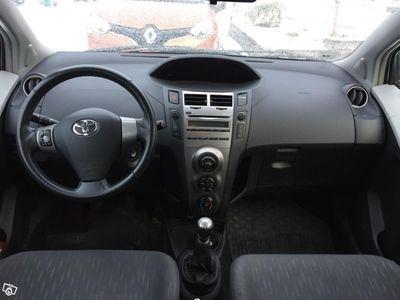gebraucht Toyota Yaris 1,33 5D -09