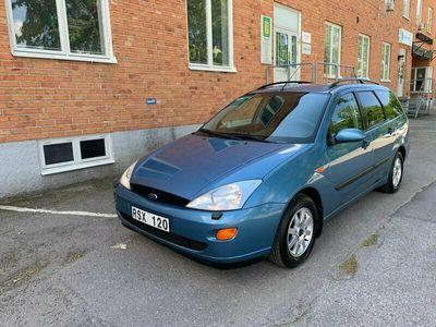 begagnad Ford Focus Kombi 1.6 Automat Ghia BESKTIGAD 2000, Kombi Pris 24 900 kr