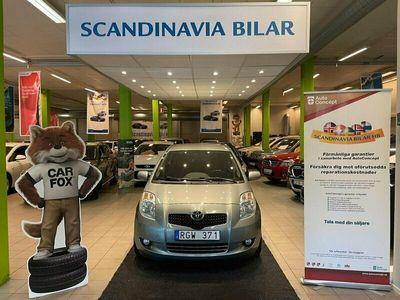 begagnad Toyota Yaris 1.3 Automat Endast 5000 MIL 5D 2 ÄGARE