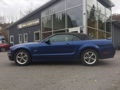 begagnad Ford Mustang GT CAB V8/305HK/AUTO NYBES