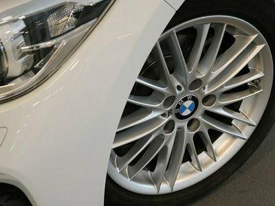 begagnad BMW 118 i 5-door M Sport Eluppvärmd ratt Sportstolar PDC bak