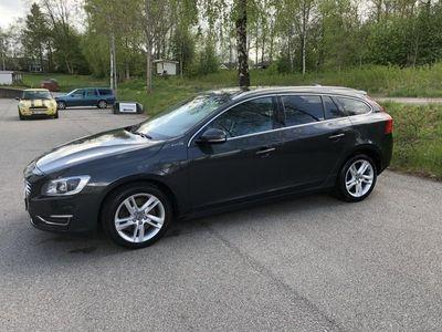 begagnad Volvo V60 D6 Plug-in Hybrid AWD Summum