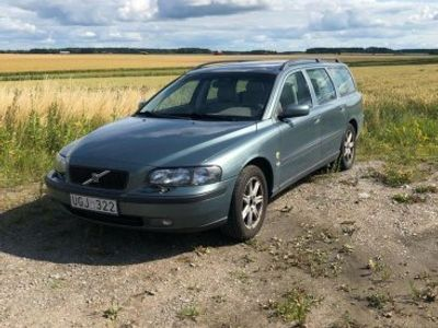 used Volvo V70 2,5t -03