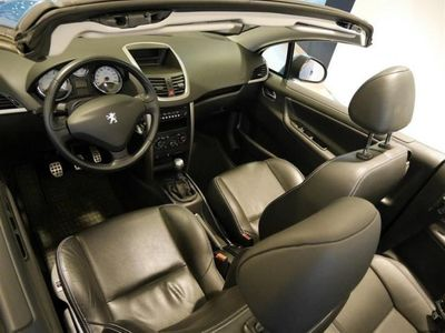 begagnad Peugeot 207 CC 1,6 VTi GT - Skinnklädsel