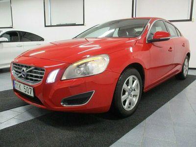 begagnad Volvo S60 D2 Momentum 115 hk Drag Årsskatt 1259 kr