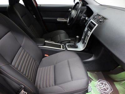 begagnad Volvo V50 D2 Momentum 6Vxl F-hållare S+V-hjul