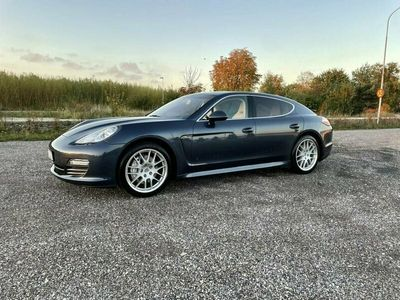 begagnad Porsche Panamera 4S PDK Sport Chrono, Låga mil