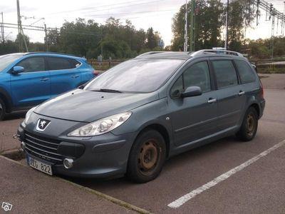 begagnad Peugeot 307 Kombi 1.6 HDi Panorama tak -06