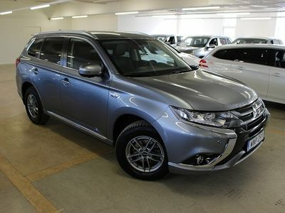 gebraucht Mitsubishi Outlander P-HEV Business NAV 4WD MY16