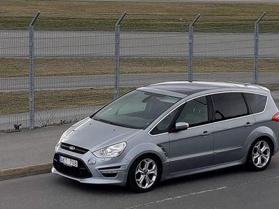 begagnad Ford S-MAX 2.2 TDCi S-Edition