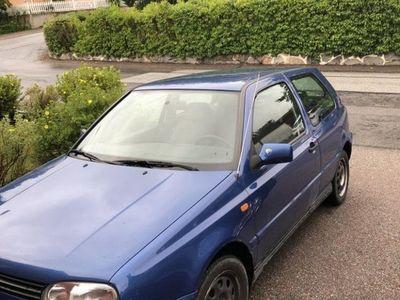 begagnad VW Golf 3-dörrar GL