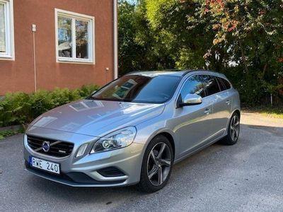 begagnad Volvo V60 T4 Momentum, R-Design
