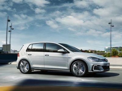 begagnad VW Golf GTE 1.4 TSI PLUG-IN-HYBRI