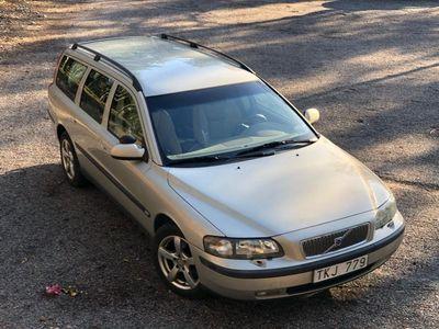 begagnad Volvo V70 2.4 T