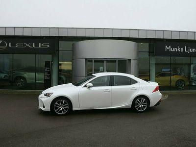 begagnad Lexus IS300h Comfort LSS 2017, Sedan Pris 279 900 kr