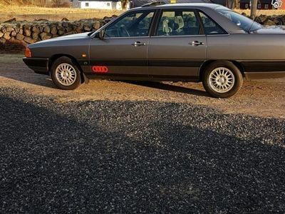 gebraucht Audi 100  mätarställning 2900 mil nyskick -86