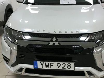 begagnad Mitsubishi Outlander P-HEV PHEV BUSINESS X 2.4 MY19 (Demo & levereras först hösten 2019)