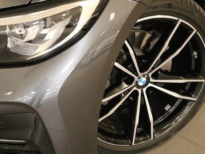 begagnad BMW 320 d xDrive Touring M sport Winter Drag