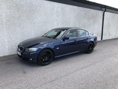 begagnad BMW 325 i A Sedan / Läder (218hk)