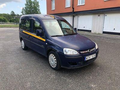 begagnad Opel Combo lågmilare 4-dörrar 1.4 -05
