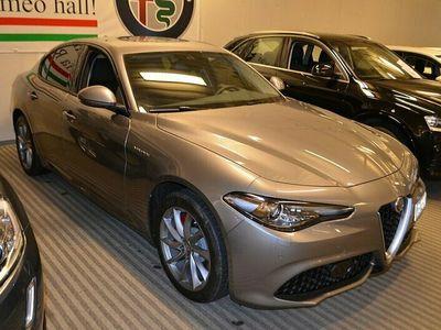 begagnad Alfa Romeo Giulia Veloce 2.0 280HK AWD Aut Q4 Läder Euro6 Momsbil