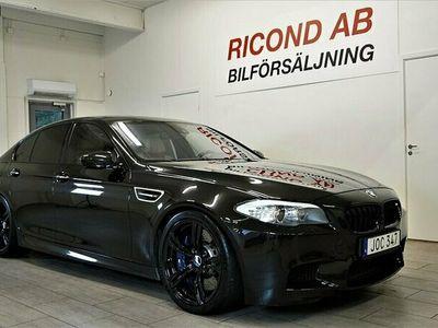 begagnad BMW M5 DCT 560HK SV-SÅLD DRAG HEAD-UP