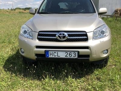 begagnad Toyota RAV4 2.0 VVT-i