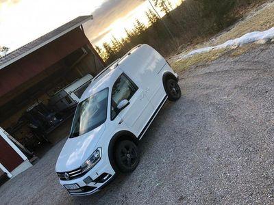 begagnad VW Caddy Alltrack 150 DSG 4M