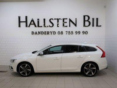 begagnad Volvo V60 D4 AWD Aut | R-Design | VOC | Svensksåld 2016, Kombi 239 000 kr