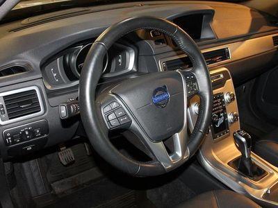 begagnad Volvo V70 II D4 Classic Momentum