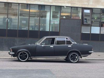 begagnad Opel Rekord -77. 4-dörrar 2.0 S Berlina