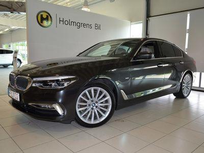 begagnad BMW 520 d xDrive Sedan Luxury Line / Navi / Kupévärmare / Drag / Skinnklädsel / Innovation