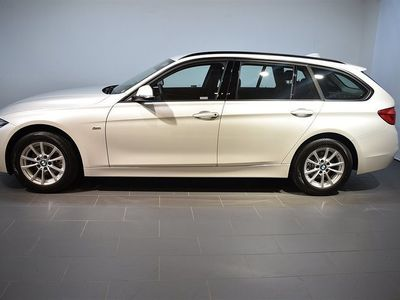 begagnad BMW 318 d xDrive Touring Model Sport